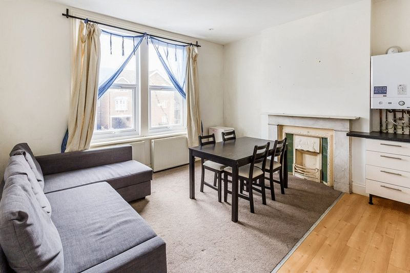1 Bedroom Flat for sale in Outram Road, CROYDON, Surrey