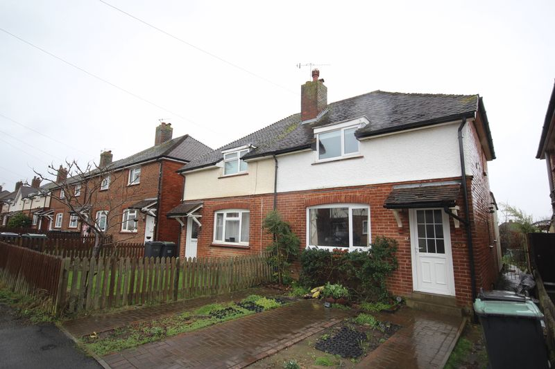 3 Bedrooms Semi Detached House for sale in The Chase, Tonbridge OPEN HOUSE SAT 11th MARCH 11am - 12:30pm