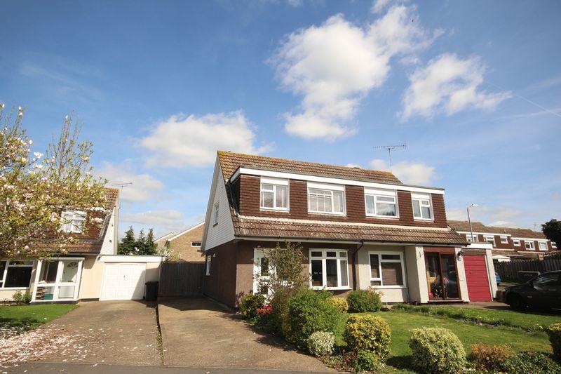 3 Bedrooms Semi Detached House for sale in Welland Road, Tonbridge