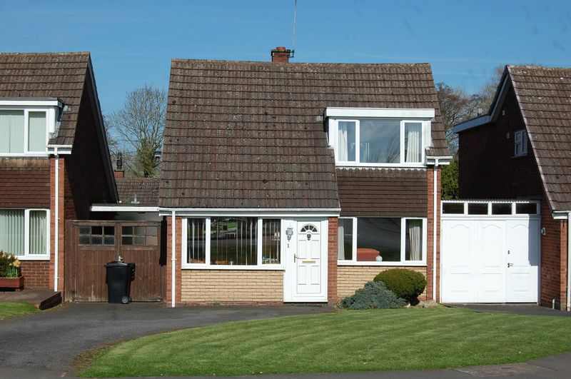3 Bedrooms House for sale in Bredon Close, Wolverhampton