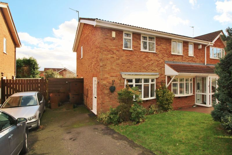 2 Bedrooms Semi Detached House for sale in Redwood Way, Copice Farm, Willenhall