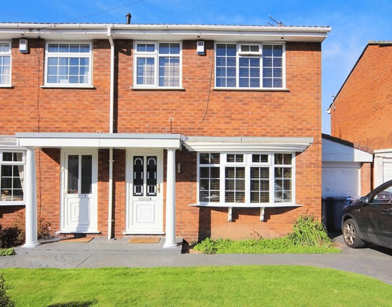 3 Bedrooms Semi Detached House for sale in Victoria Court, Wavertree, Liverpool, L15