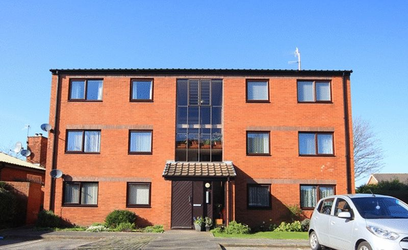2 Bedrooms Flat for sale in Heath Road, Allerton, Liverpool, L19
