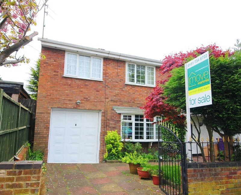 4 Bedrooms Semi Detached House for sale in Long Lane, Wavertree Liverpool, L15