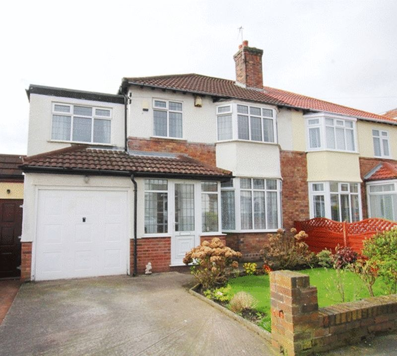 4 Bedrooms Semi Detached House for sale in Kirkmaiden Road, Grassendale, Liverpool, L19