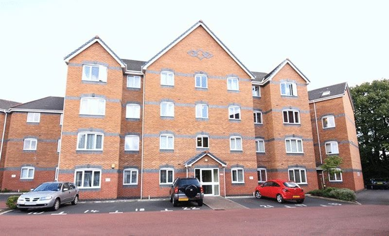 2 Bedrooms Flat for sale in Knightswood Court, West Allerton, Liverpool, L18