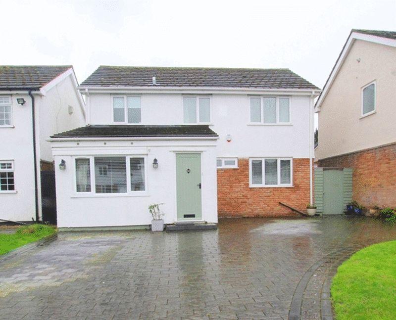 4 Bedrooms Detached House for sale in Vicarage Close, Hale Village, Liverpool, L24