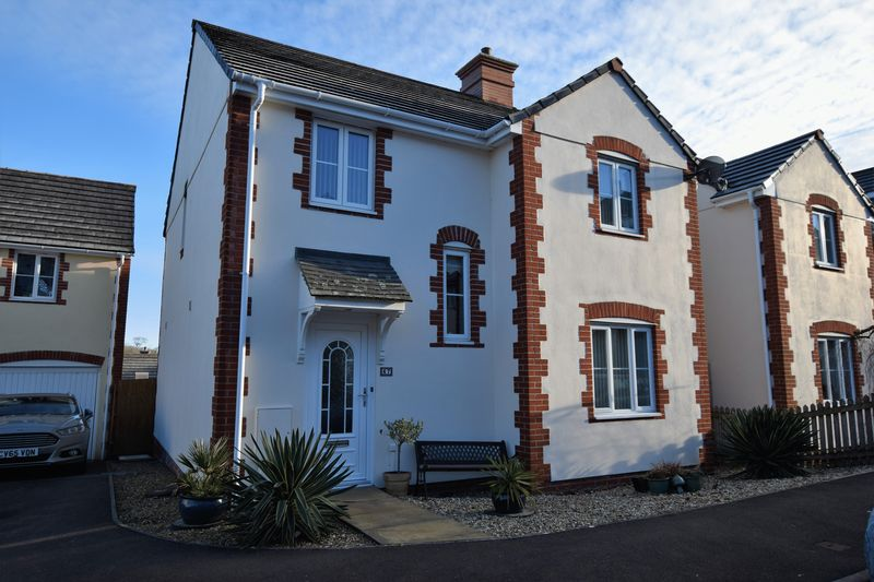 4 Bedrooms Detached House for sale in Kensey Valley Meadow, Launceston