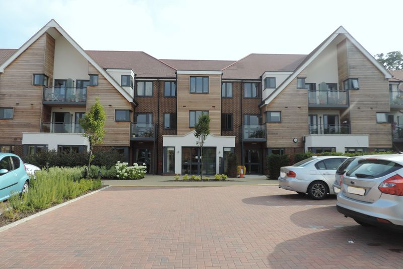 1 Bedroom Retirement Property for sale in Mandeville Court, Darkes Lane, Potters Bar, EN6 1BZ