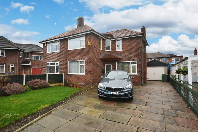 3 Bedrooms Semi Detached House for sale in Mapley Avenue, Northenden, Manchester