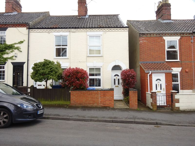 3 Bedrooms Terraced House for sale in Clarke Road, Norwich