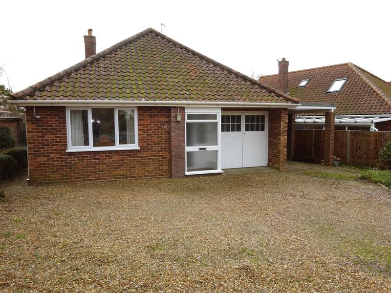 2 Bedrooms Detached Bungalow for sale in Drayton Wood Road, Hellesdon, Norwich