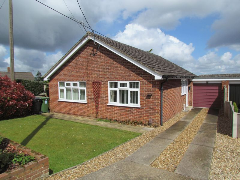 3 Bedrooms Detached Bungalow for sale in Gurney Road, New Costessey, Norwich
