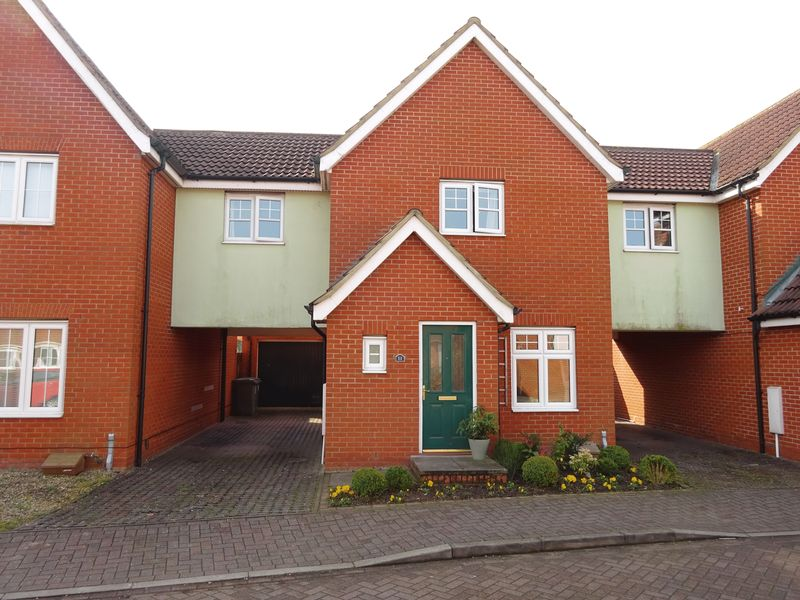 3 Bedrooms Detached House for sale in Mountbatten Drive, Old Catton, Norwich