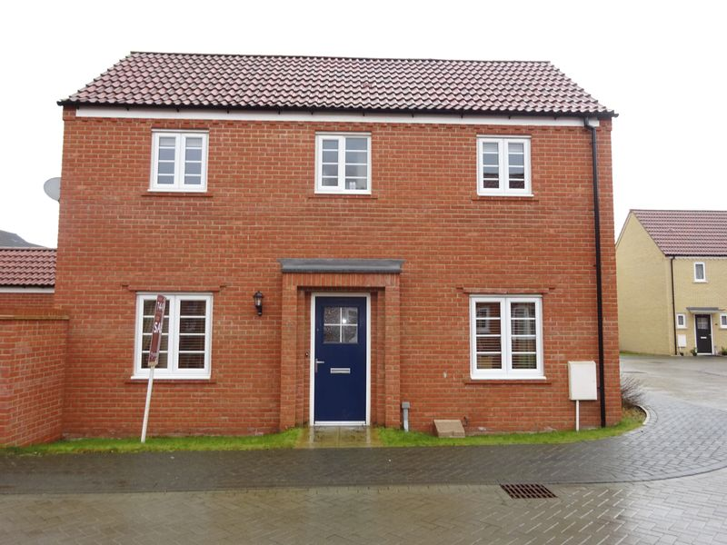 3 Bedrooms Detached House for sale in Maze Avenue, Costessey, Norwich