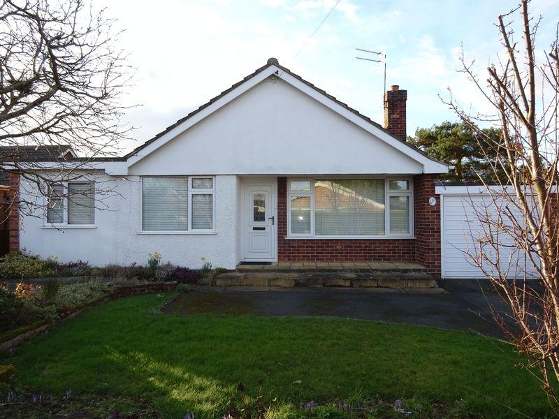 3 Bedrooms Detached Bungalow for sale in Baldric Road, Norwich