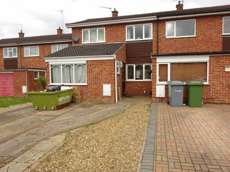 3 Bedrooms Terraced House for sale in Fairways, Hellesdon, Norwich