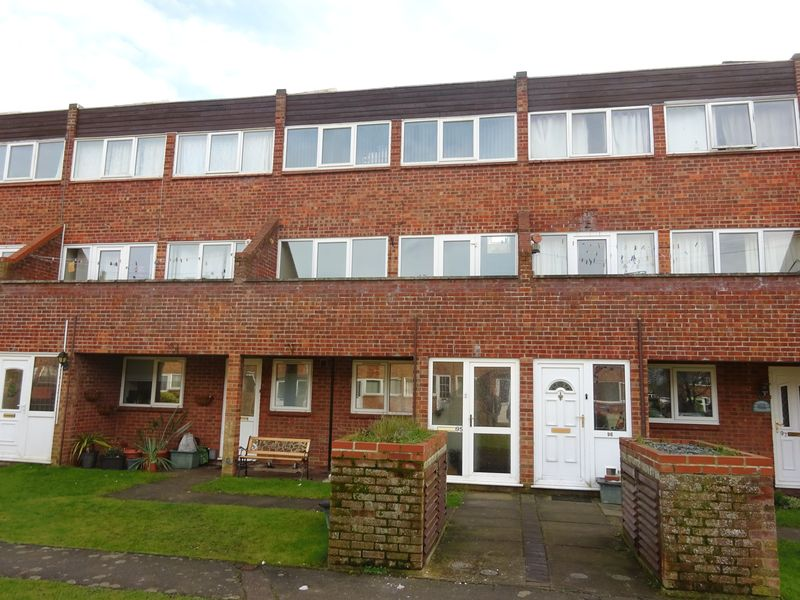 3 Bedrooms Property for sale in Templemere, Norwich
