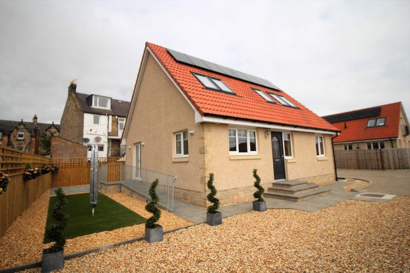 4 Bedrooms Detached House for sale in Ravenscraig Street, Kirkcaldy