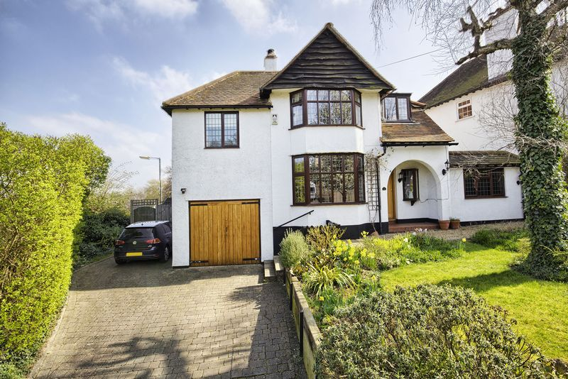 5 Bedrooms Detached House for sale in Hertford , Herts