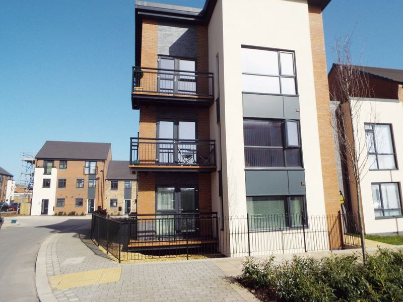 2 Bedrooms Flat for sale in Norville Drive, Hanley, Stoke-On-Trent