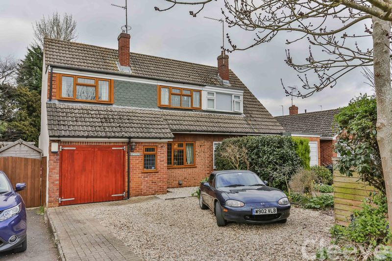 3 Bedrooms Semi Detached House for sale in Sedgley Road, Cheltenham