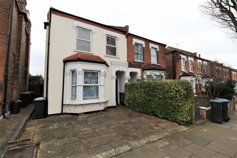 3 Bedrooms Semi Detached House for sale in Goring Road, Bounds Green, N11