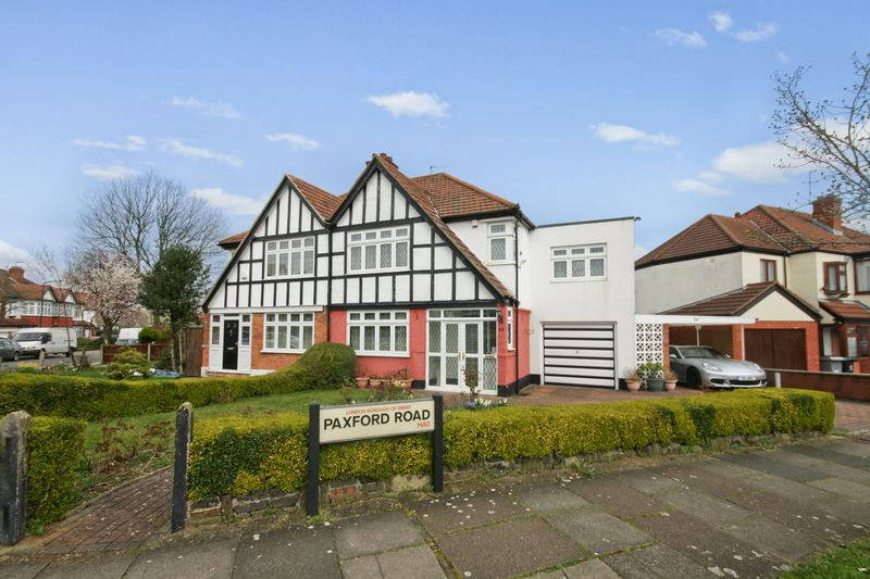 4 Bedrooms Semi Detached House for sale in Paxford Road, Wembley