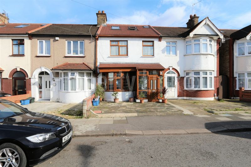 5 Bedrooms Terraced House for sale in Property Link presents this beautiful Five Bedroom house located in South of Ilford