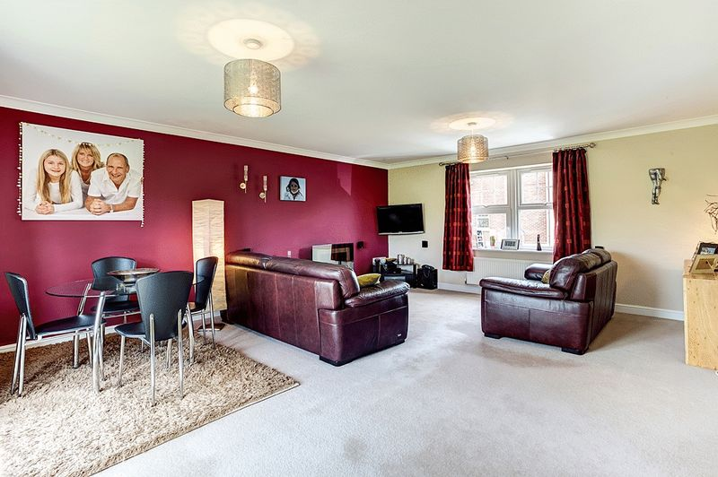 3 Bedrooms House for sale in Galloway Green, Congleton