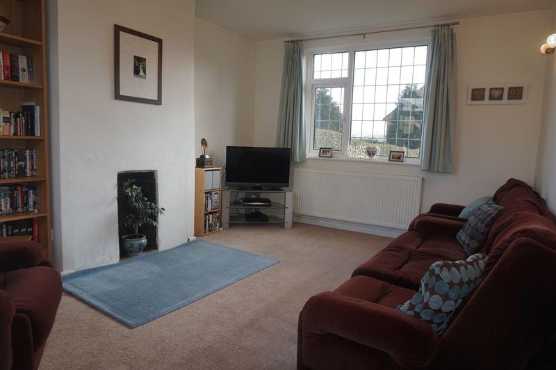 3 Bedrooms Semi Detached House for sale in Ruskin Road, Congleton