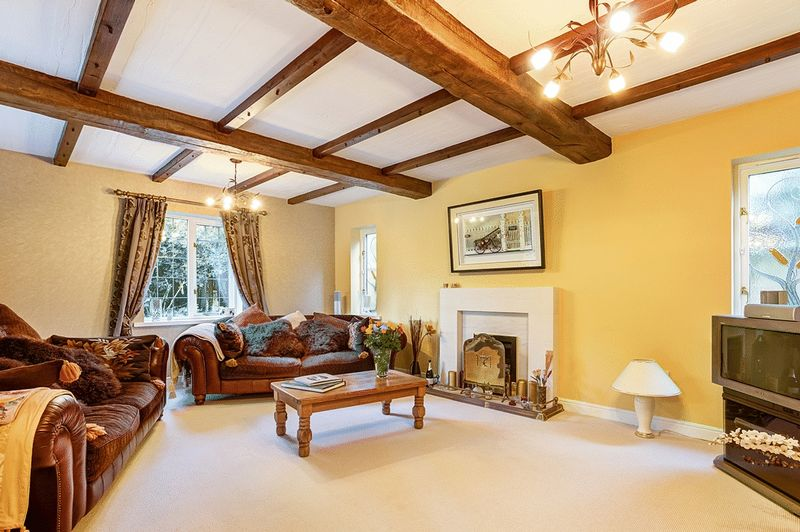 4 Bedrooms Detached House for sale in Russell Close, Congleton