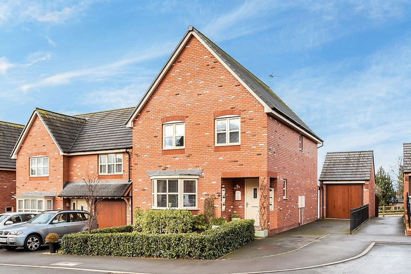 4 Bedrooms Detached House for sale in Sweet Briar Court, Congleton