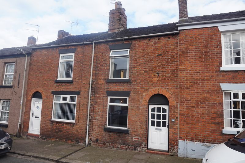 2 Bedrooms Terraced House for sale in Davenport Street, Congleton