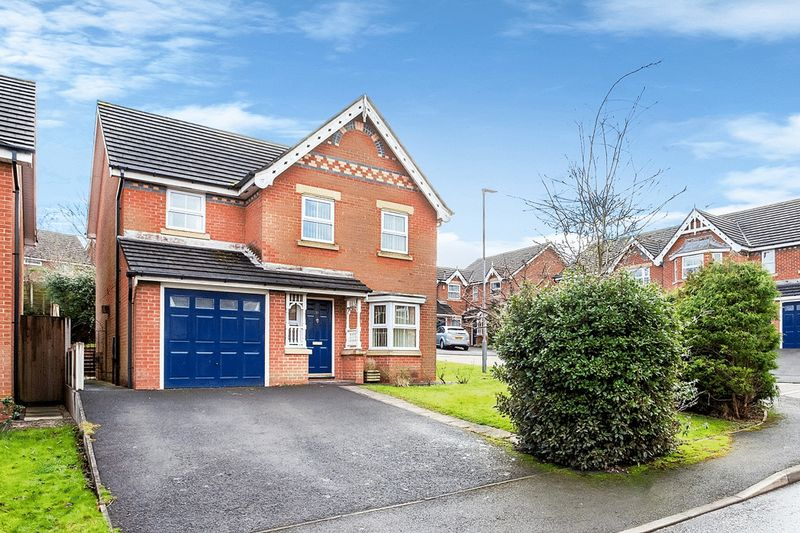 4 Bedrooms Detached House for sale in Kestrel Close, Congleton