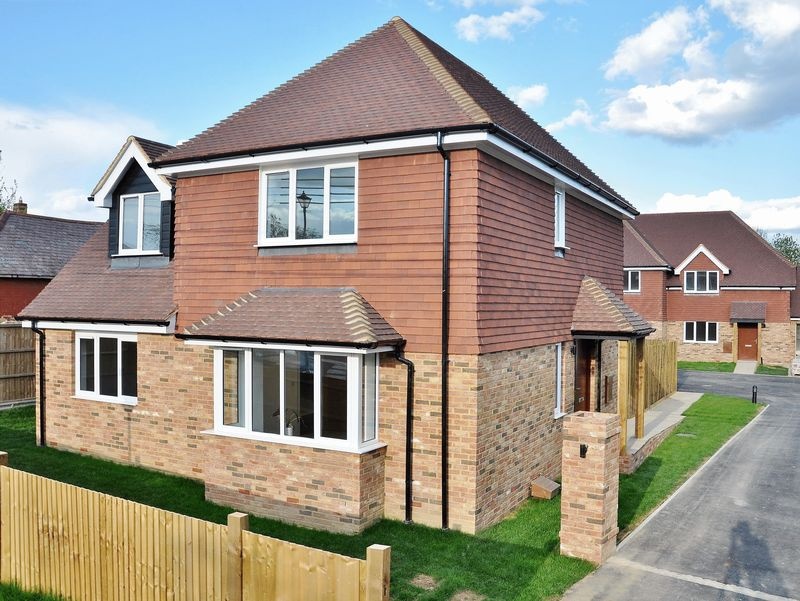 4 Bedrooms Detached House for sale in London Road, Ashington