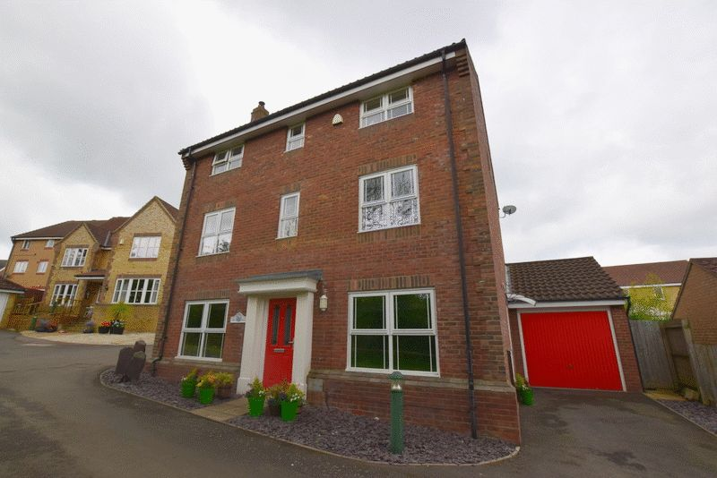 7 Bedrooms Detached House for sale in Clifton Moor, Milton Keynes