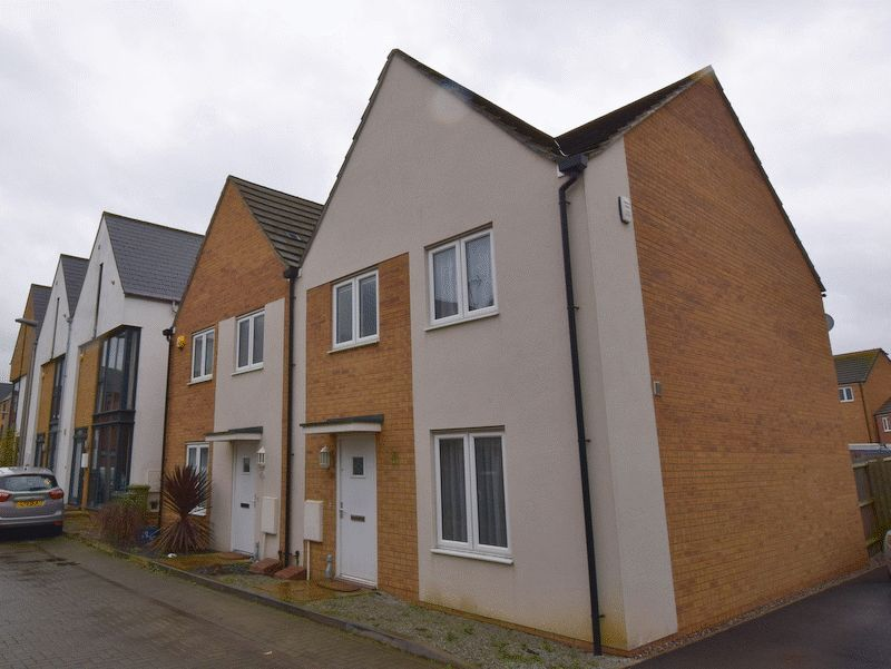 3 Bedrooms Semi Detached House for sale in Loughborough Drive, Milton Keynes