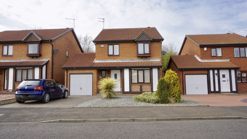 3 Bedrooms Detached House for sale in WESTMINSTER WAY, Church Green