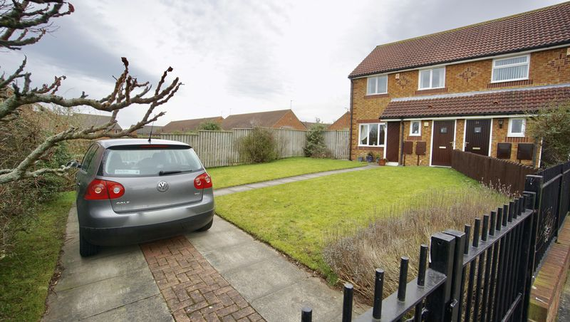 3 Bedrooms Semi Detached House for sale in MONKS PARK WAY Longbenton