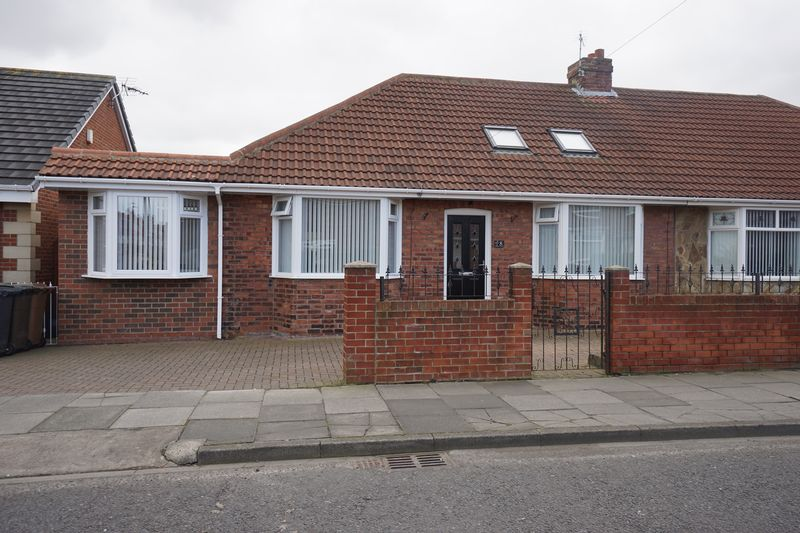 3 Bedrooms Semi Detached Bungalow for sale in BATTLE HILL DRIVE WALLSEND