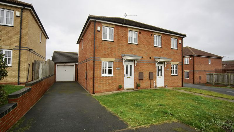 2 Bedrooms Semi Detached House for sale in QUEENSBURY GATE, Longbenton
