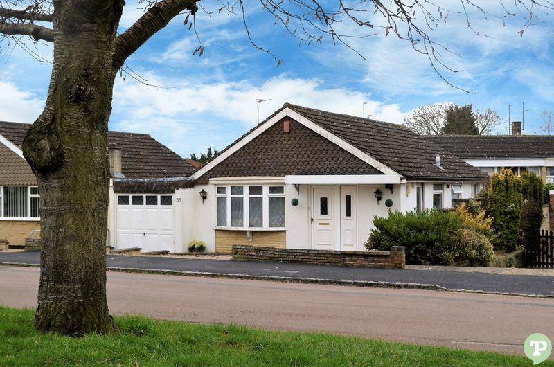 3 Bedrooms Detached Bungalow for sale in Elm Drive, Garsington