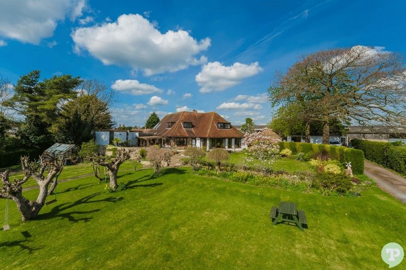 5 Bedrooms Detached House for sale in Chinnor Road, Thame