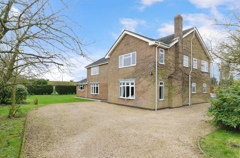 6 Bedrooms Detached House for sale in Midville Lane, Stickney