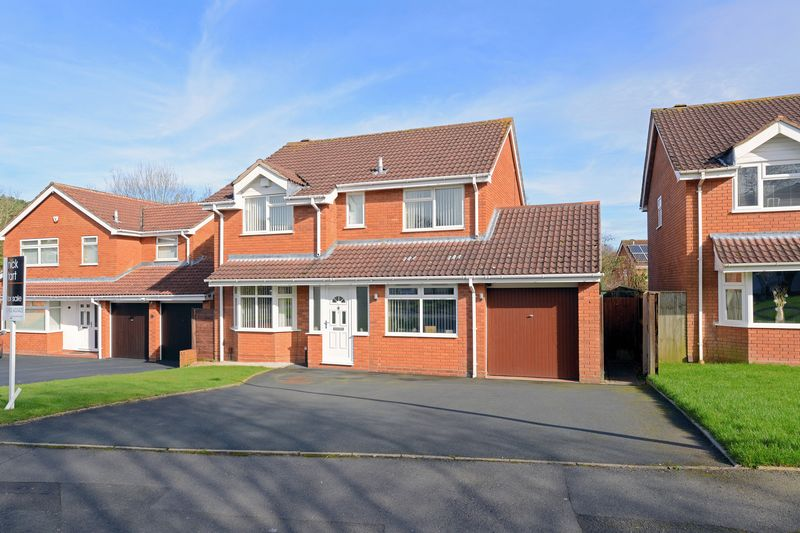 5 Bedrooms Detached House for sale in Mellor Close, Madeley, Telford, Shropshire.