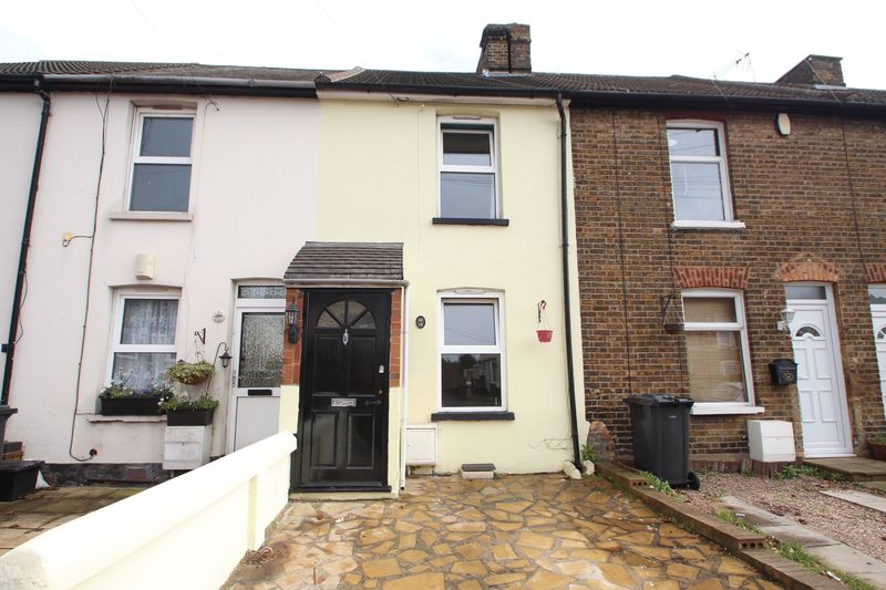 2 Bedrooms Terraced House for sale in Invicta Road, Dartford