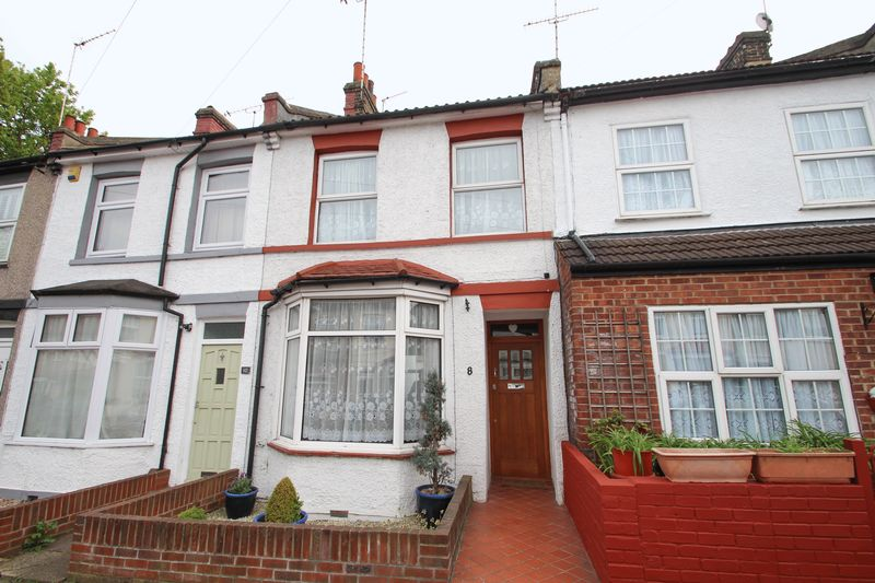 3 Bedrooms Terraced House for sale in Norman Road, Dartford