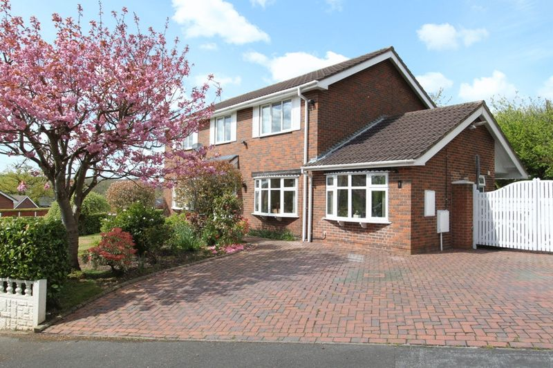 4 Bedrooms Detached House for sale in Fermain Close, Seabridge