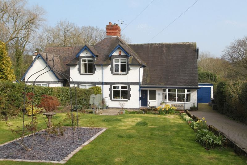 3 Bedrooms Semi Detached House for sale in The Green, Clayton